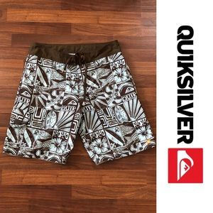 Men's Quiksilver Board Shorts size 34
